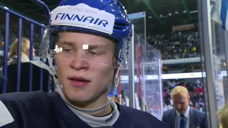 Jag älskar spelarna Björkqvist lämnar intervjun