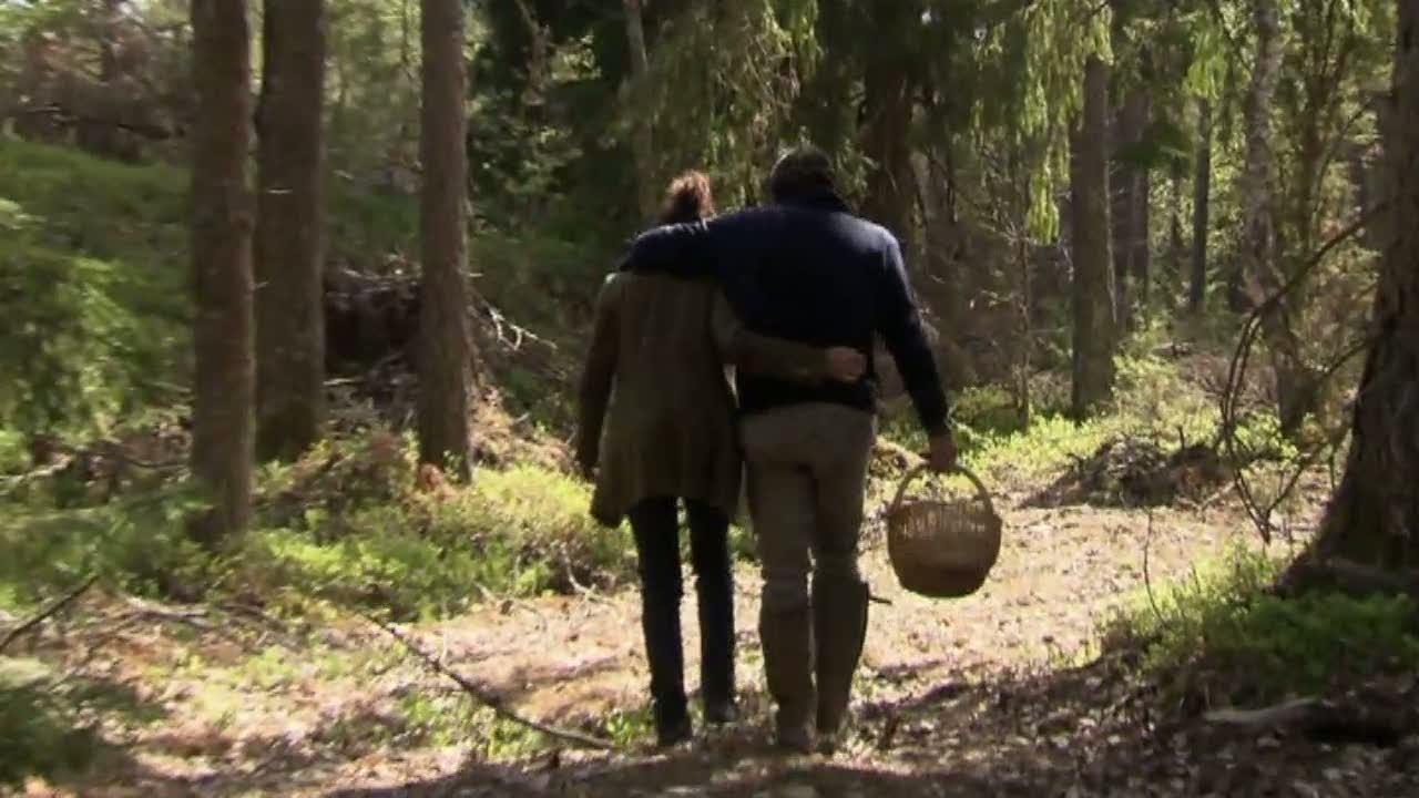 Per hittar svamp – och kärlek – i skogen
