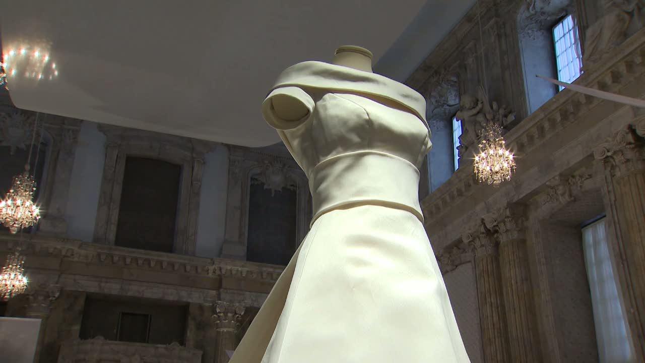 9ce682b9b637 Ny utställning om kungliga brudklänningar på slottet