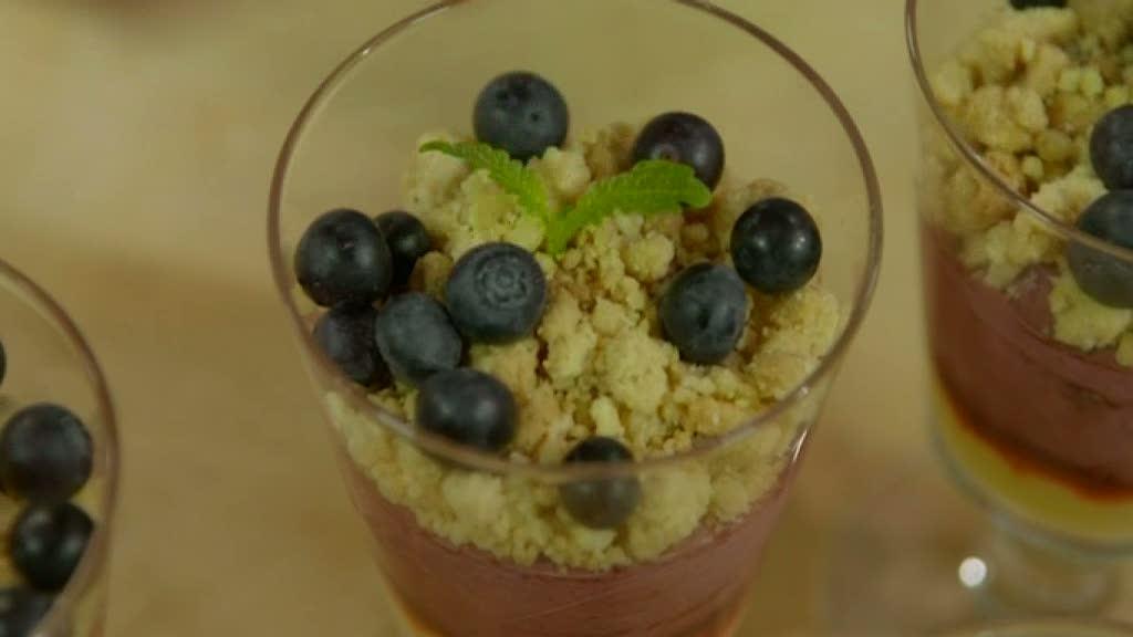 Mitt kök: Roy Fares  underbara citrondessert med blåbärsmousse