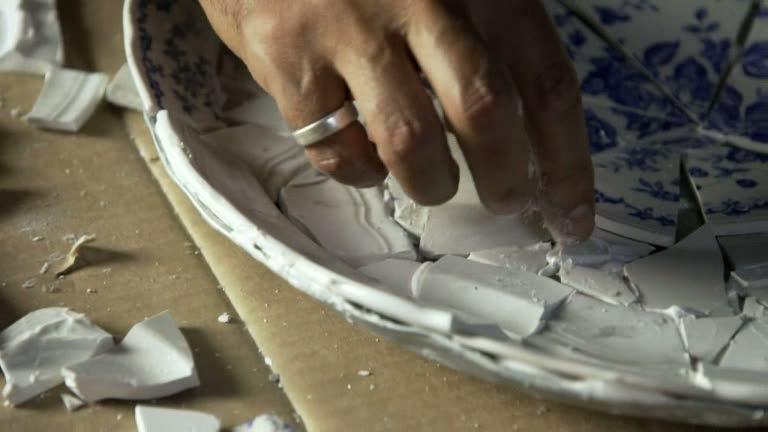 Ernst Kirchsteiger gör ett mosaikfat