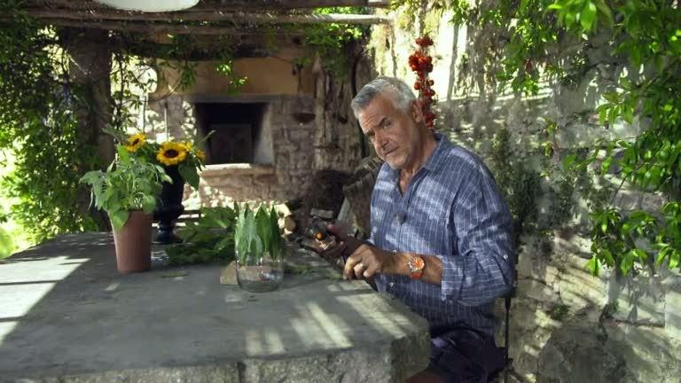 Ernst Kirchsteiger gör en bladvas