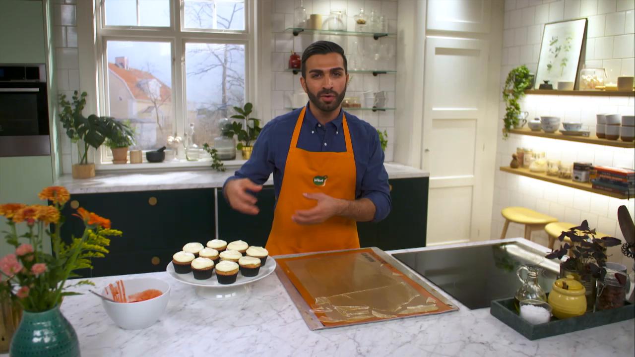 Kökets middag: Bloody cupcakes med hallonsås och glasbitar