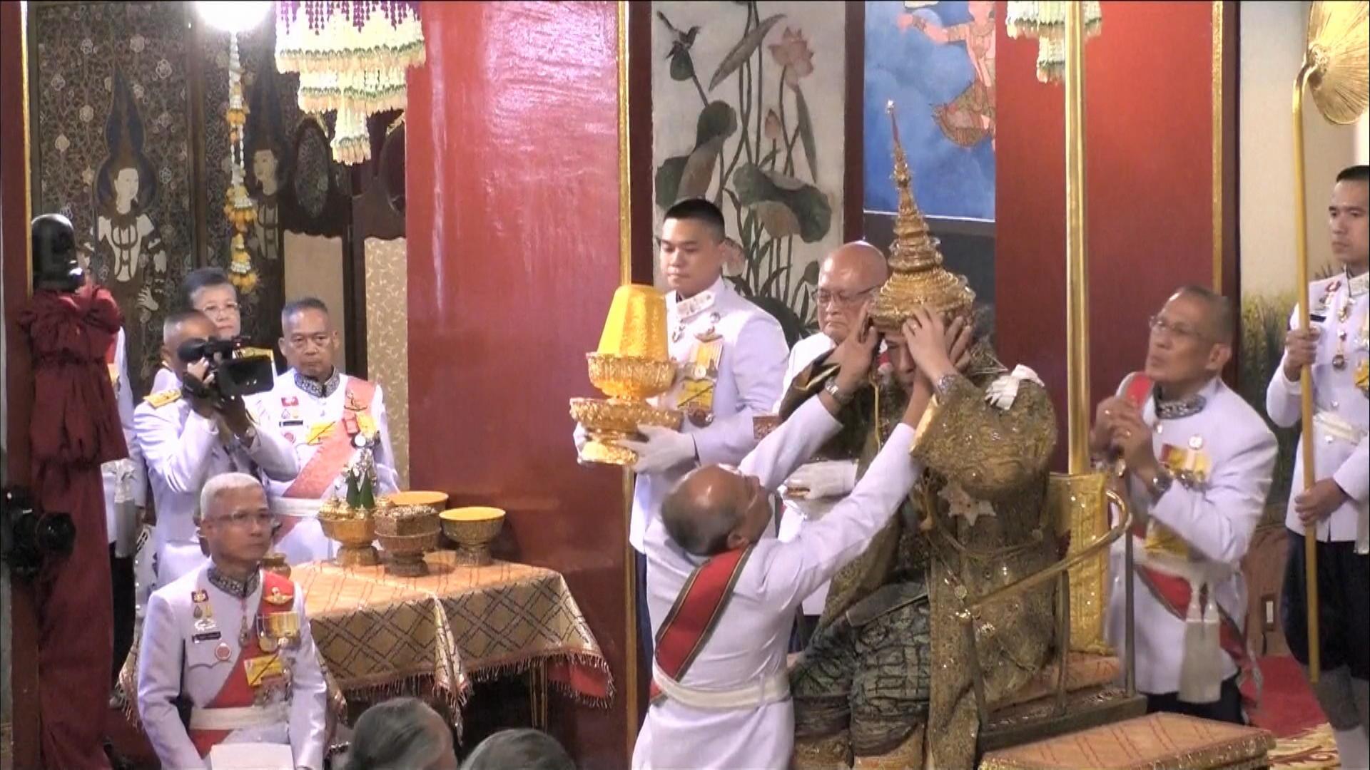 Här Blir Thailands Nya Kung Krönt