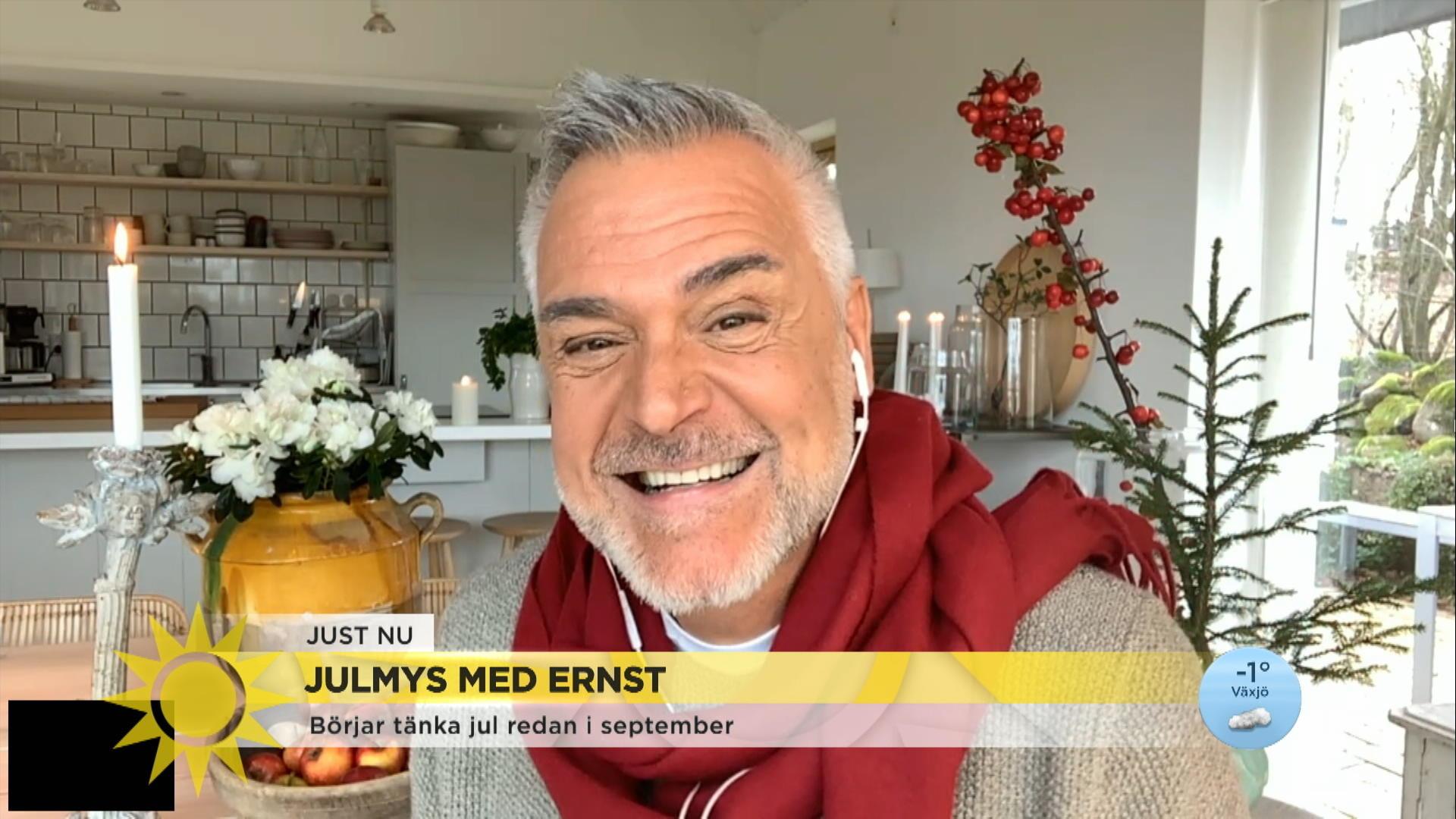 """Ernst igång med julmyset: """"Inte en julängel som inte flyger runt i rummet"""""""