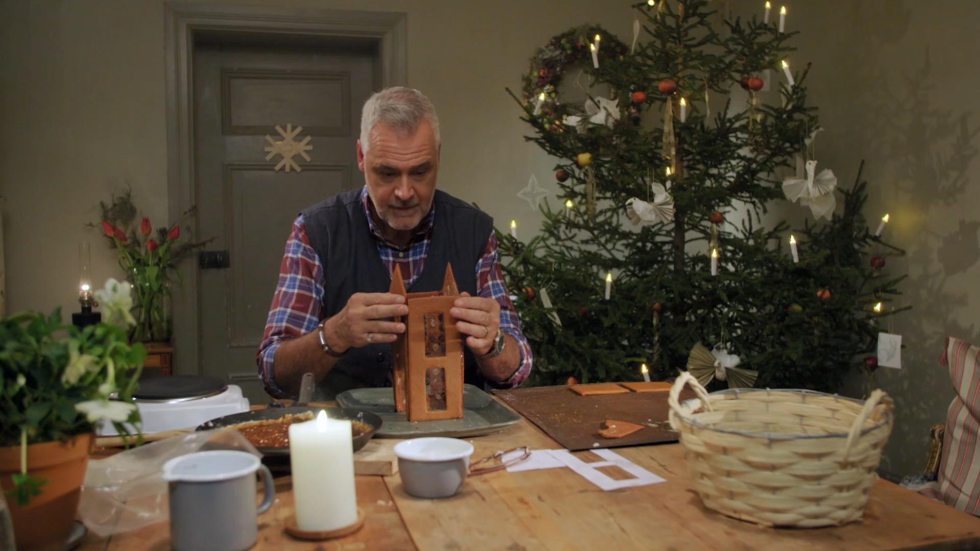 Ernsts absolut första pepparkakshus i Jul med Ernst