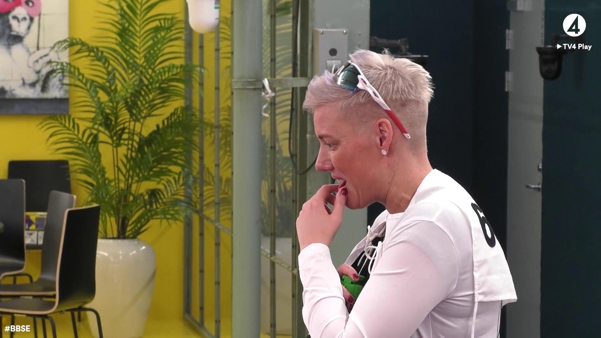 Hon sitter säkert efter skidskyttetävlingen i Big Brother Sverige