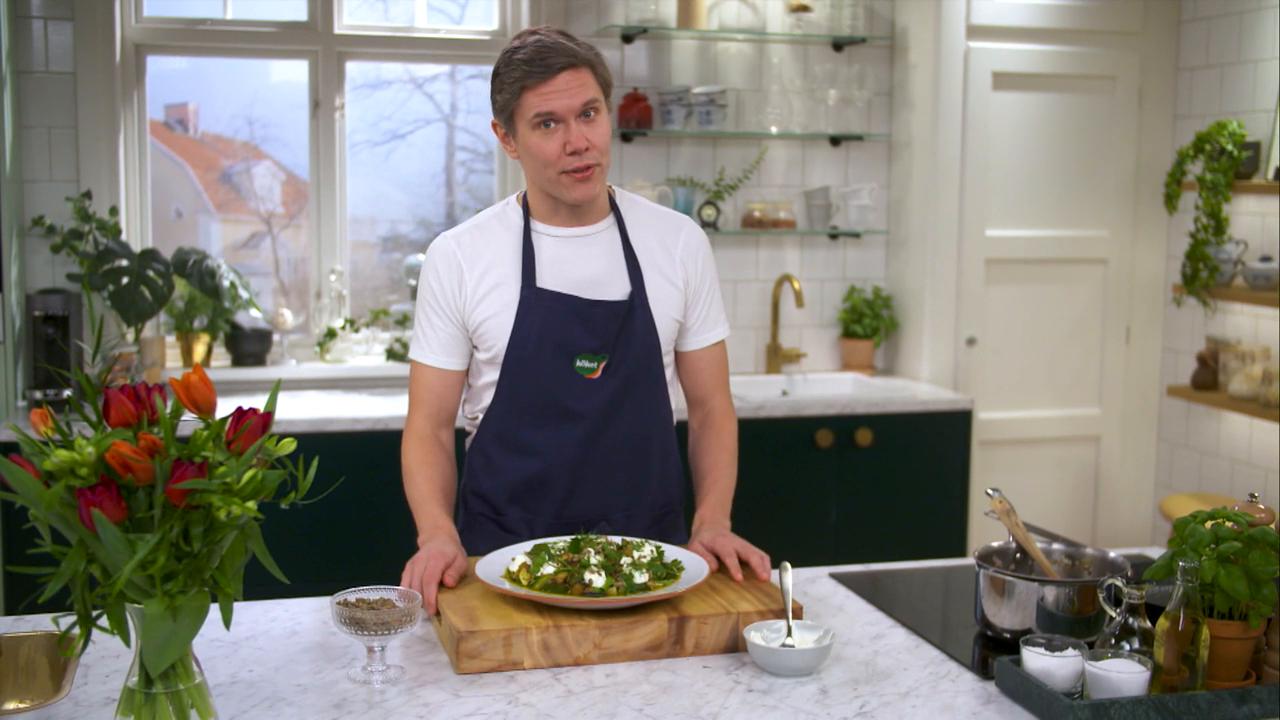 Kökets middag: Ljummen linssallad med aubergine, örter och rostade pumpafrön