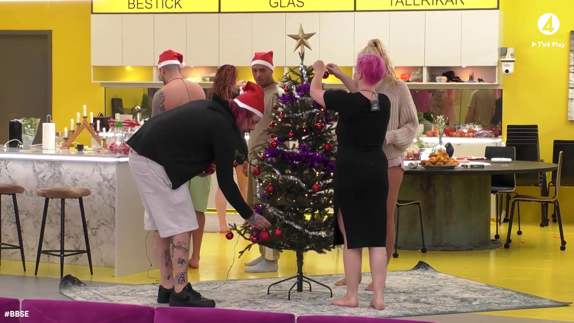 Nu är det jul här i vårt Big Brother-hus - idag är det ...