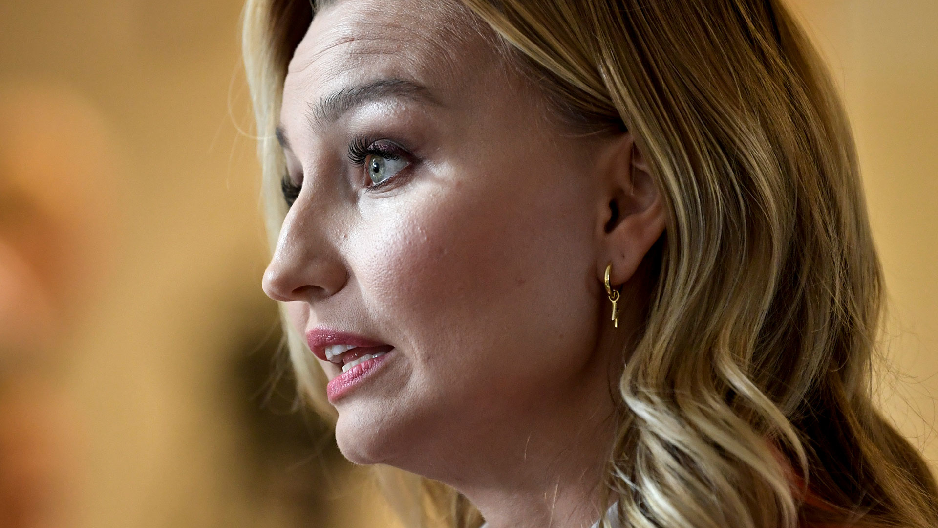 """Ebba Busch om festkritiken: """"Jag tar pandemin på största ..."""