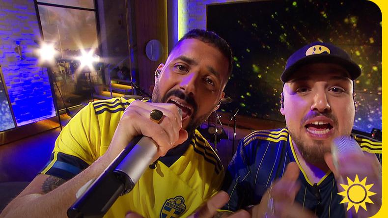 Don Demina och Sami spelar officiella EM-låten: Flaggan i Topp!